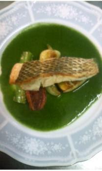近海魚のソテー 名護産野菜のソース (この日はモロヘイヤ)