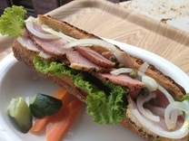 今週のサンドイッチ600円(シーフード/ベジタブル/ミートの3種類よりお選びいただけます)